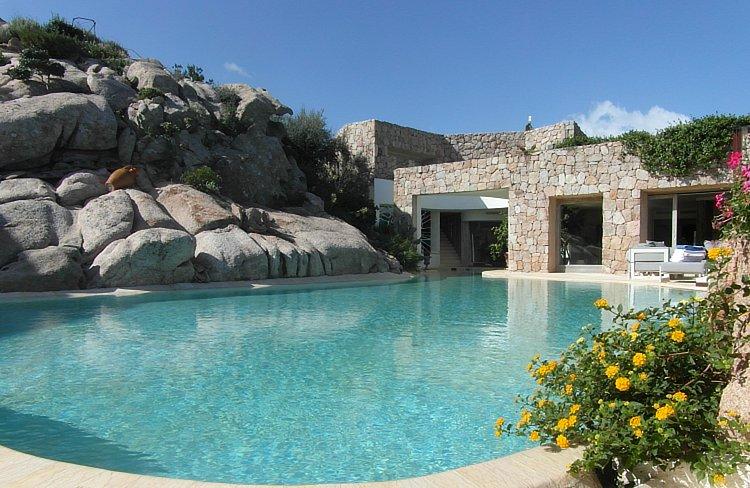 Luxury villa del sol for sale porto cervo costa for Villas del sol